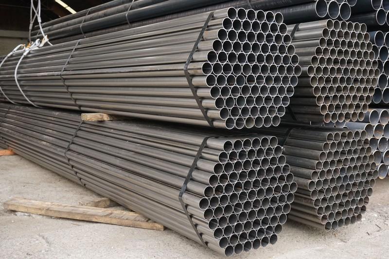 Tubo com costura aço carbono